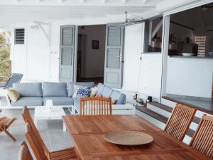 Villa inattendue Marie Galante terrasse salon