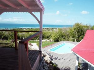 Villa inattendue Marie-Galante vue piscine