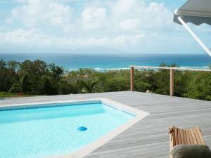 Villa Inattendue Marie-Galante vue piscine mer